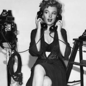 marilyn-phone